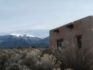 Casa De Luz-1.3+ Acre-Fenced Yard-Hot Tub-Free Wifi-Mtn Views