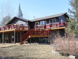 Beautiful Lakefront Home In The Duluth Area!