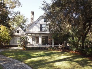FALL SPECIAL! Luxury, Privacy in Lovely West Wilson