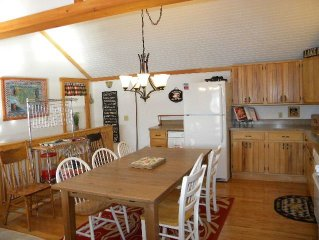 Lakefront Family and Pet Friendly Cottage On Keuka Lake Wine Trail
