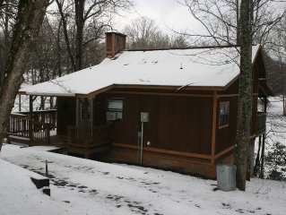 Private, Secluded, Relaxing Cabin... Just Off The Beaten Path.