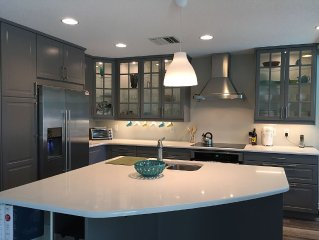 Pool, State Of The Art Kitchen, Sleeps 7!