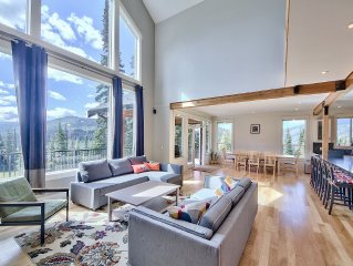New Luxury Chalet, Chef's Kitchen, Spectacular Views & True Ski-in/Out