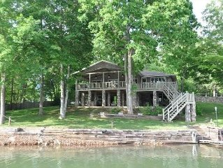 384 ft of Gorgeous Lake Front Property