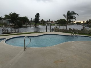 Gulf Harbors Waterfront..Heated pool.private beach.SMMER SPECIAL 850