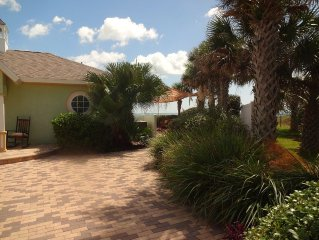Quiet Oceanfront Cottage Retreat,  Spectacular 100 Feet Of Private Beach,
