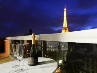 PERFECT 2BR 2bath with STUNNING PANORAMIC VIEW of Eiffel Tower and Paris