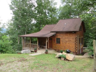 Sherwood Cabin, Romantic and Private .. Soak in the Scenery!