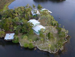 Private Island Lodge - Anglers, Scallopers, Get-A-Ways, Golfers, Retreats