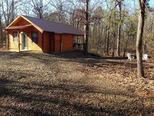 Knotty By Nature Honeymoon Cabin. WIFI, Hot Tub and Outdoor TV.