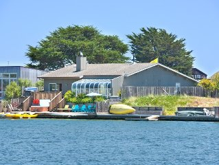 RELAX & ENJOY THIS GATED SEADRIFT LAGOON HOME WITH ALL THE TOYS! PET FRIENDLY!