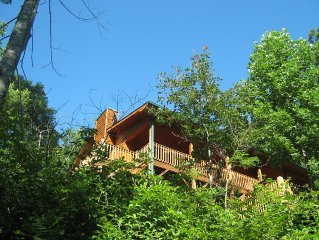 Quiet mountain cabin ideally situated to Blue Ridge, GA, Murphy NC and Ocoee.