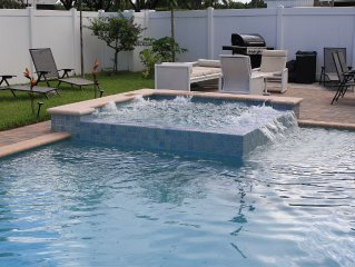 Licensed City Of Hollywood Vacation Rental with Pool & Spa, Close To Beach!!!!