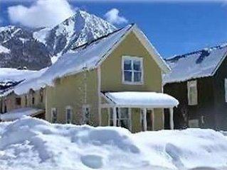 Discount lift tickets for many dates!  5 star reviews!