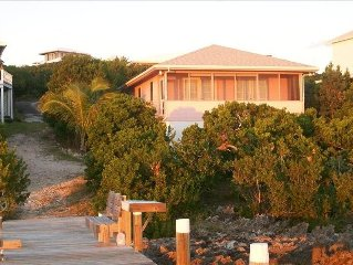 Frangipani Cottage on the Sea of Abaco with Dock