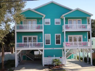 ***SEPTEMBER SPECIAL***1 BLK from Beach/5BR/4.5 BA/PVT Pool/ Pet Friendly