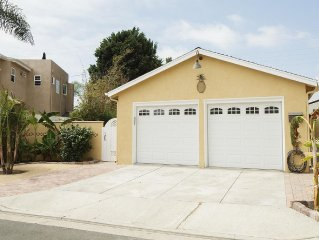 2BD House w/ A/C*Upgraded*Clean, Large Yard *Steps to Beach*Walk to everything!