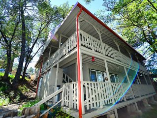BOOK NOW! Spring Special w/low$. Relax In Mid-town On The River