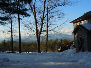 Snowy Trails from your door! Dog/Kid Friendly,  Owners on Site, Killer View