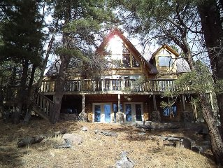 LUXURIOUS LOG CABIN- TOTALLY UPGRADED, VIEW OF THE LAKE, ENJOY IT YEAR ROUND !