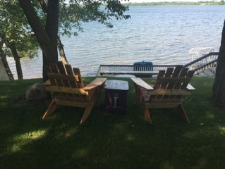 Sandy Beach on beautiful lake. Room for 1-8 adults + kids! Flat Lot w/ a Grill!