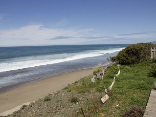 Oceanfront Remodeled Gleneden Beach Bungalow,  Amazing Views,  Fireplace