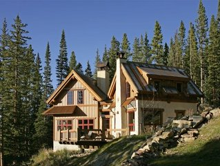 Custom Cabin Retreat 2 Miles to Ski Cooper, 25 to Vail. Views!