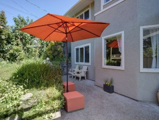 Relaxing West Coast home minutes from world class attractions!