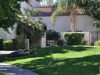 Fantastic Mt Views From this Beautiful Mission Hills Country Club Condo