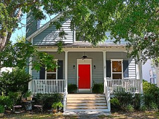 Lowcountry cottage sleeps 6 - close to PARRIS ISLAND, BEAUFORT and BEACHES.
