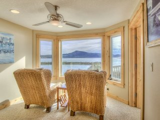 Located on the Netarts Bay walking distance to the boat launch and the schooner
