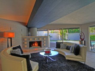 Neighborhood to the stars:  Deepwell Estates Exquisite Mid-century JeweL