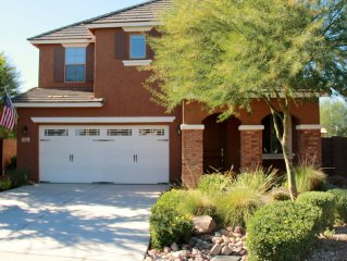 Luxurious Model Home In Glendale-Private, Pool, Walk 2 Entertainment, Sleeps 6