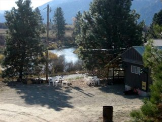 Uncle Billy Bobs Redneck Trailer Vacation Rental GV-Crouch,Id