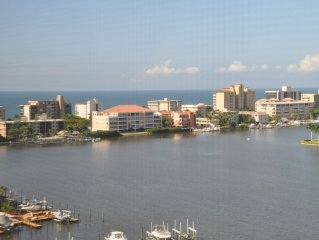 Newly redecorated for 2018/19 season: 11th Floor Luxury Ocean View Naples Condo