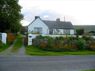 Cozy Cottage on Galway Bay W/Fabulous Sea and Burren Views