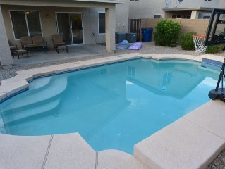 Fantastic Two Storey Home, Sleeps 8 With Private Pool!