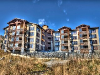 Luxury 3 Bdrm Condo on Mountain - Golf, Hike, Mountain Bike, Ski and More!