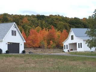 Brand new, private, serene country studio overlooking horse pastures.