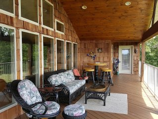 'new'  Gorgeous Table Rock Lake View Home