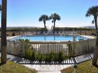 Beautiful Gulf Front Condo With Pool (WINTER SEASON SPECIAL RATES)