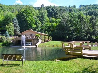 BIG VIEWS, PRIVATE, EASY ACCESS, PET FRIENDLY, CENTRAL TO ALL WNC ACTIVITIES