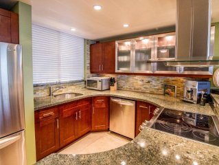 THIS WILL WOW YOU!! **COMFORTABLE REMODEL** 'DIRECT OCEAN FRONT & AMAZING VIEWS'