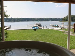 Muskegon 'Lakefront Vacationing at it's Best!  HOT TUB, Pontoon, Sandy Beach!