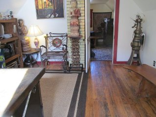One bedroom apartment with small kitchen in the center of Crested Butte