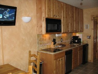 Southwest Stylecondo1br/1BA,Hot Tub/Pool,Near Gondola,on River