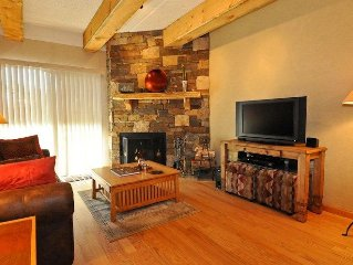 Condo In Downtown Frisco - Walk to trails or town!