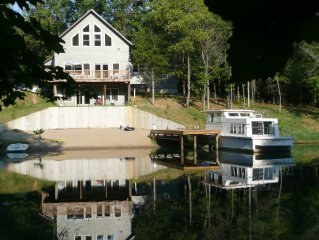 Luxury cabin w/private beach in woods - 1 mi from Carbondale, IL & SIU campus