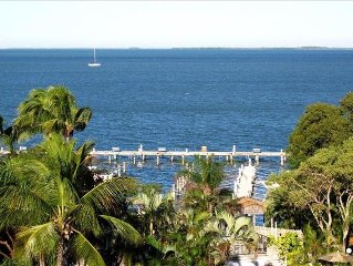 Incredible View of Bay & Sunsets, Boat Slip Included!