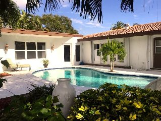 Paradise by the Sea - Stunning 4 bdrm home, heated pool, 1.5mi to the beach!